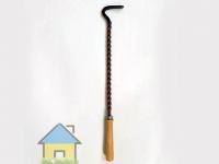 кочерга для углей с деревяной рукояткой