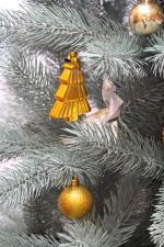 елка с украшениями